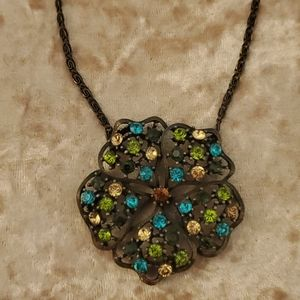 beautiful flower rhinestone statement necklace
